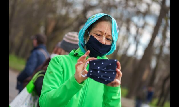 Hungarian Devotees Distribute Free Food and Face Masks to the Needy